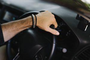 Klimatyzacja w samochodzie – jak o nią dbać, aby służyła nie tylko w upalne dni?
