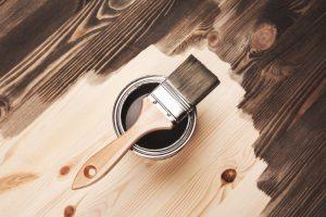 Malowanie drewna – jak się do tego zabrać?