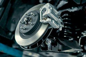 Jak dbać o układ hamulcowy samochodu?