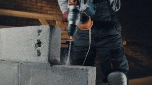 W jakich godzinach można przeprowadzać remont w domu jednorodzinnym?
